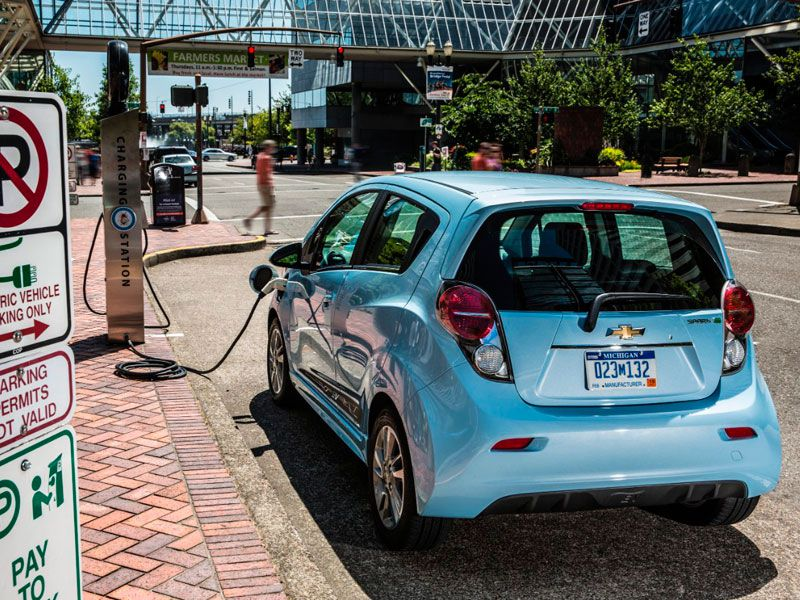 When will electric cars become the majority trend?